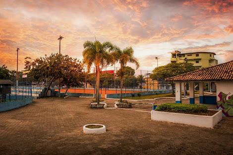 Praça principal do Parque Aeroporto. Macae/Rj. Data: 04/07/2018. Foto: Rui Porto Filho