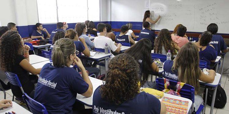 Pré Vestibular Social, Escola Municipal Maria Izabel, Macaé/RJ. Data: 09/05/2016 . Foto: Ana Chaffin/Prefeitura de Macaé