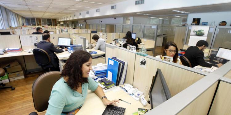 17/07/2015 - uncionários trabalhando no Palácio Guanabara, para ilustrar a matéria sobre o Prata da Casa.