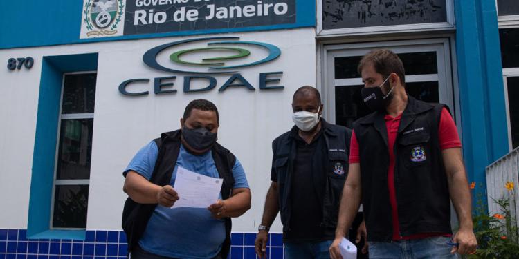 Procon entrega notificação para Cedae pedindo informações sobre a falta de água. Macaé/RJ. Data: 25/01/2021. Foto: Rui Porto Filho